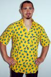 Žlutá košile s kondomy
